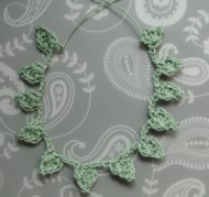 A leafy necklace