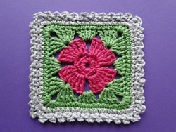 4 petal flower square