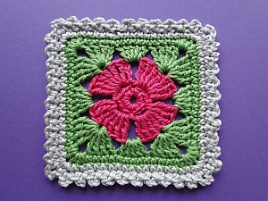 Flower square with frill border