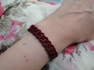 Chainlace Bracelet using yarn only