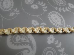 Front of bobble dot braid