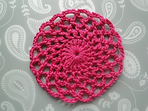 Lacy round pink coaster