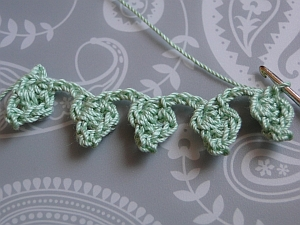 The finished leaf braid
