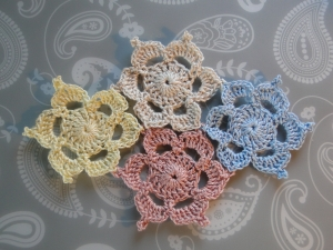 four motifs joined of different colors