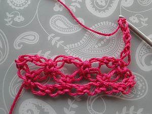 3 knots crocheted, and ready fo the next turn