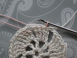 Draw thread through chain