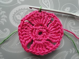 Joining green into the pink flower